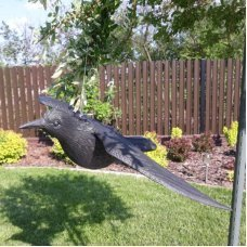 Ворон для отпугивания птиц с крыльями
